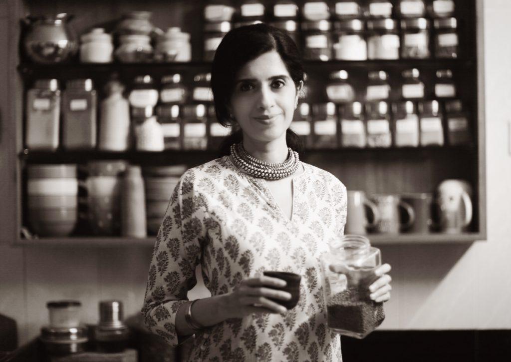 Anushruti's black and white picture